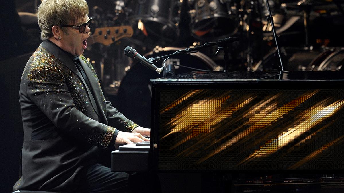 ELTON JOHN – MILLION DOLLAR PIANO