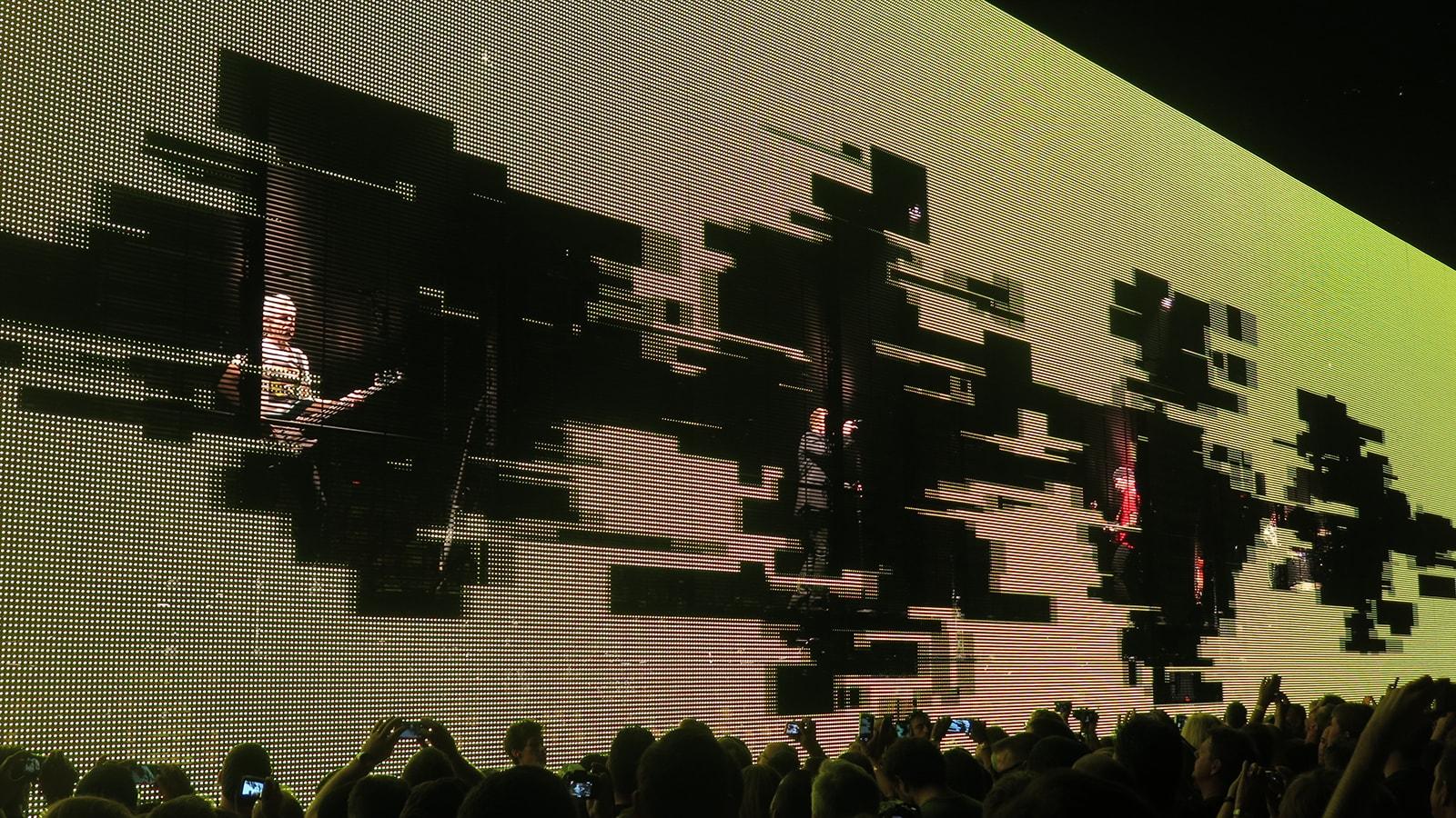 U2 iNNOCENCE + eXPERIENCE TOUR